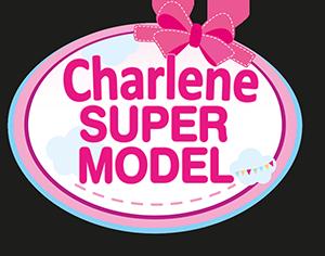 Charlene super modèle avec cosmétiques