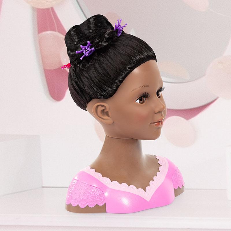 Coiffure super modèle Charlene avec pinces à cheveux