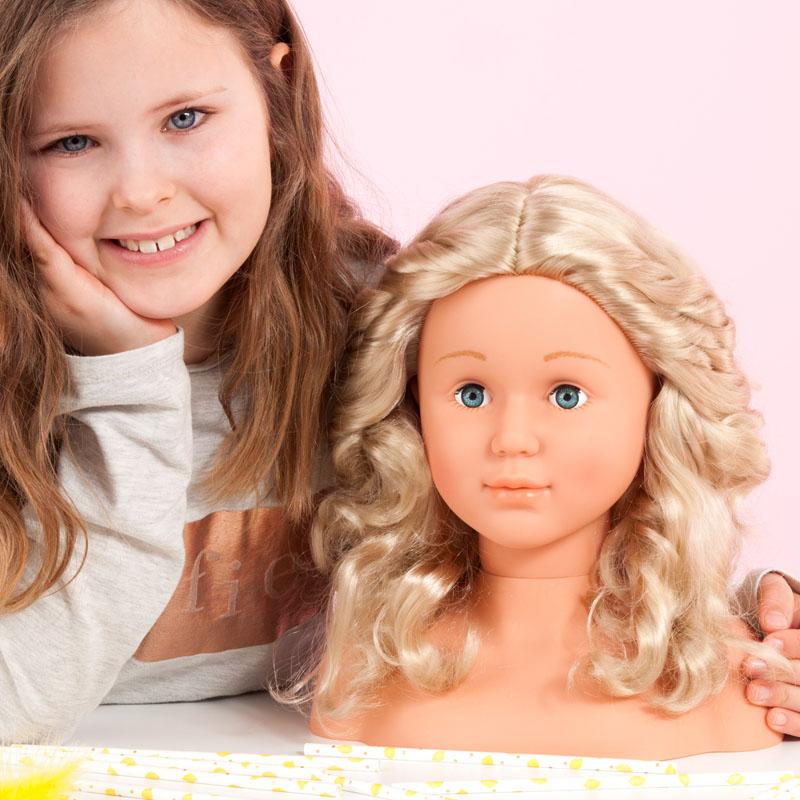 Super Model Frisierkopf mit langen blonden Haaren