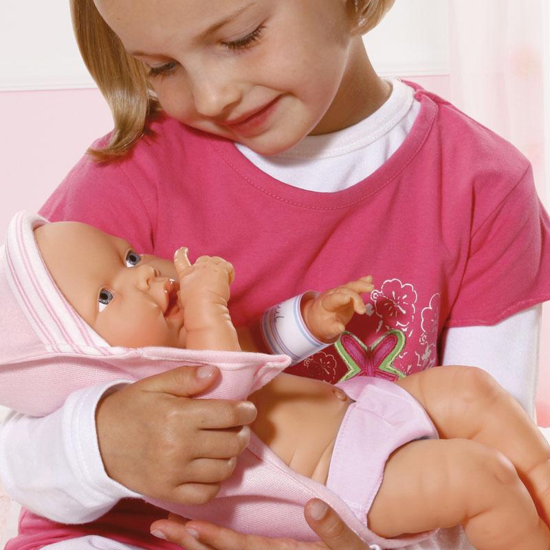 Newborn Baby ist beweglich