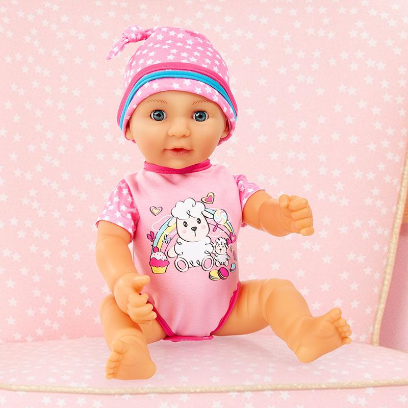 Lisa Newborn Baby kann mit Wasser gefüttert werden