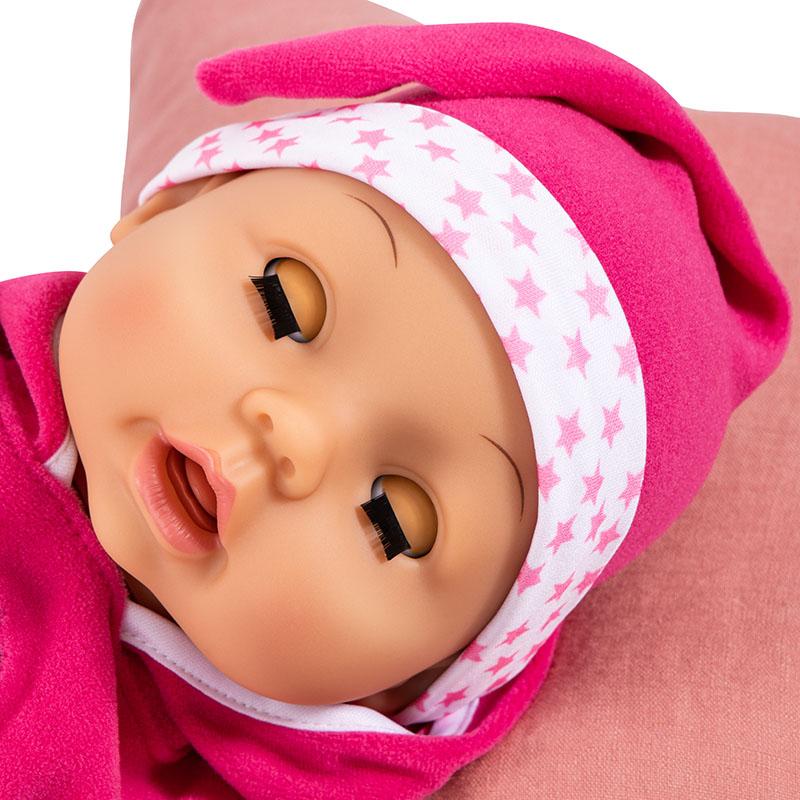 Doctor Baby schließt die Augen wenn sie schläft.